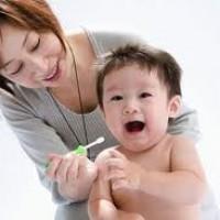 Nên bắt đầu chăm sóc răng miệng cho trẻ từ khi nào