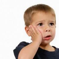 Làm gì khi trẻ bị đau răng